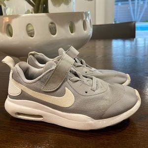 Boys Nike Air Max Oketo size 12